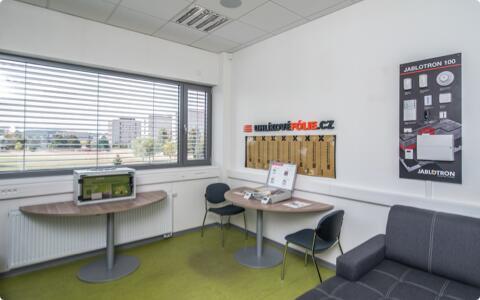 Entwicklungszentrum, Büros und Showroom LARX